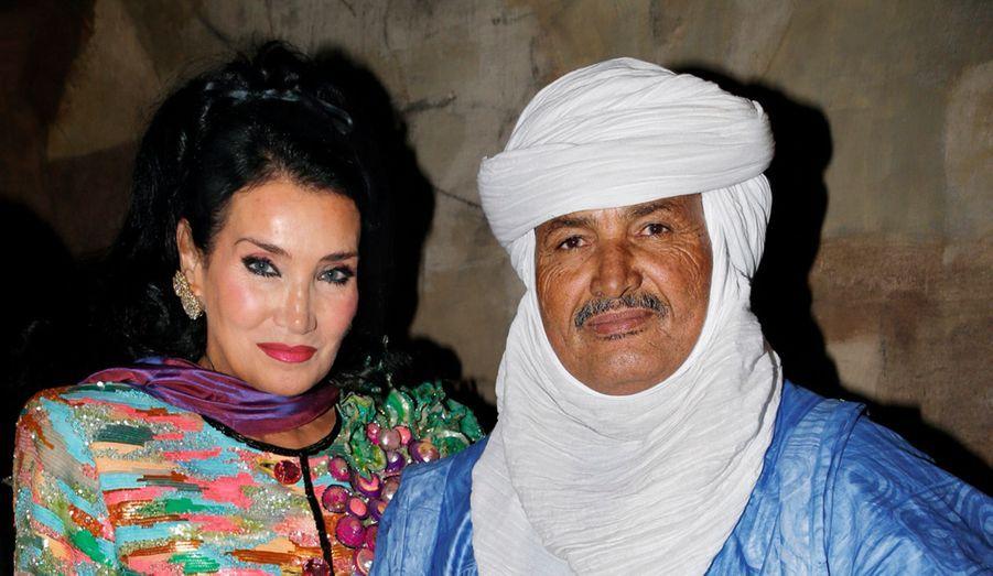 Lamia Khashoggi, cofondatrice de Children For Peace, et le Touareg Mohamed Ixa, fondateur des Puits du désert.