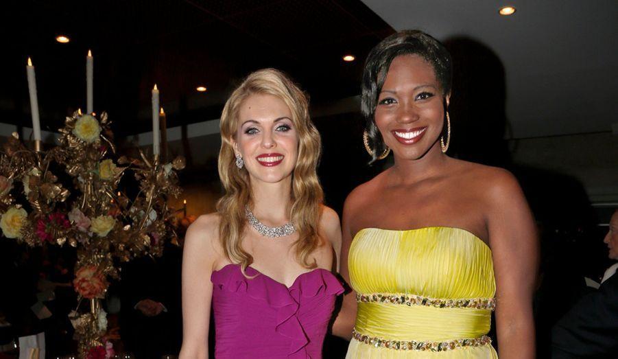 Les chanteuses Micaëla Oeste et Angel Blue.