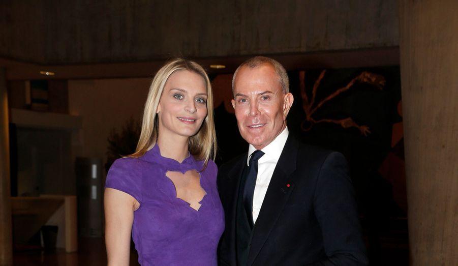Sarah Marshall en violet, sa couleur préférée, et Jean-Claude Jitrois.