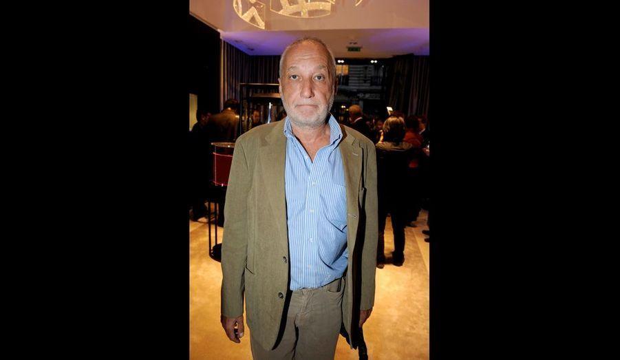 Comme son complice Pierre Arditi, l'acteur aime le «beau» et le «bon»: les plaisirs de la table et ses bons vins, les montres de luxe… Il a beaucoup apprécié le lieu qu'il a trouvé très « élégant ».