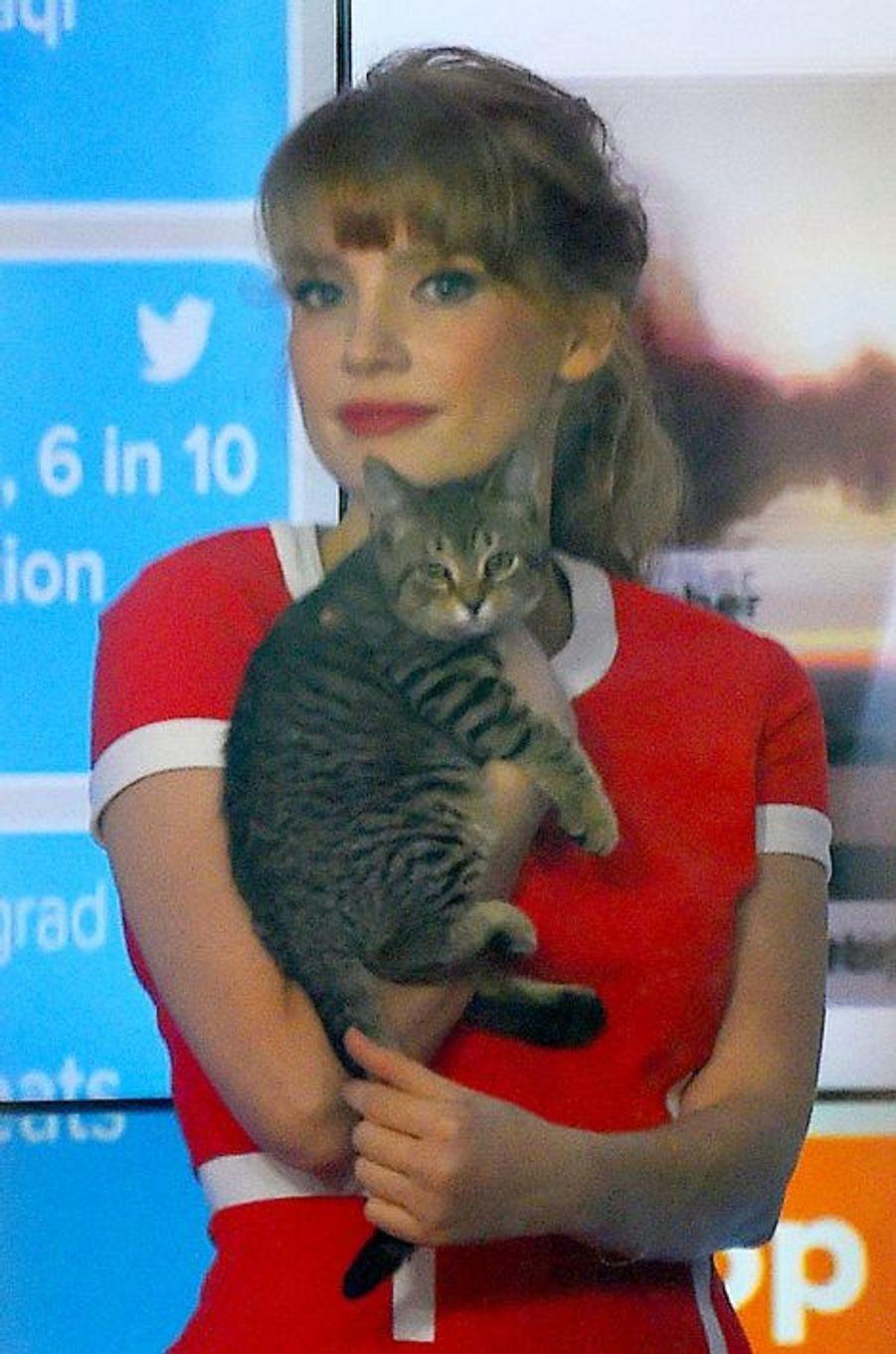 Jessica Chastain avec son chat sur le plateau de «Today Show» à New York , le 10 septembre 2014.