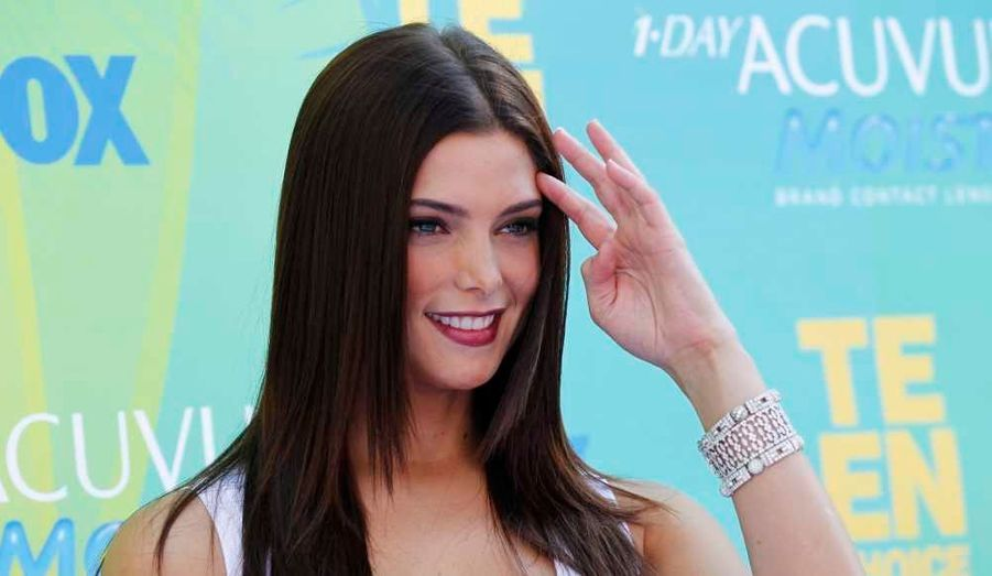 Du côté des stars de Twilight, Ashley Greene a reçu le Teen Choice Award du meilleur second rôle féminin.