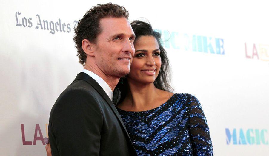 Le 9 juin, l'acteur a épousé la mère de ses deux enfants, le top brésilien Camila Alves. Le mois suivant, il annonçait que la jeune femme de 29 ans était enceinte de leur troisième enfant, qui devrait voir le jour début 2013 pour agrandir la famille après Levi, quatre ans, et Vida, deux ans et demi.