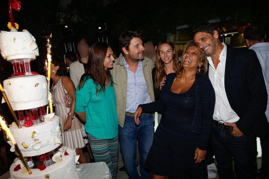 Adeline Blondieau, Philippe Lellouche, Vanessa Demouy, Jennifer Boccara et Pascal Elbé au 10e anniversaire de l'Hôtel de Sers à Paris, le 10 se...