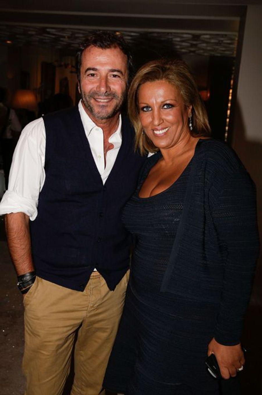 Bernard Montiel et Jennifer Boccara au 10e anniversaire de l'Hôtel de Sers à Paris, le 10 septembre 2014.