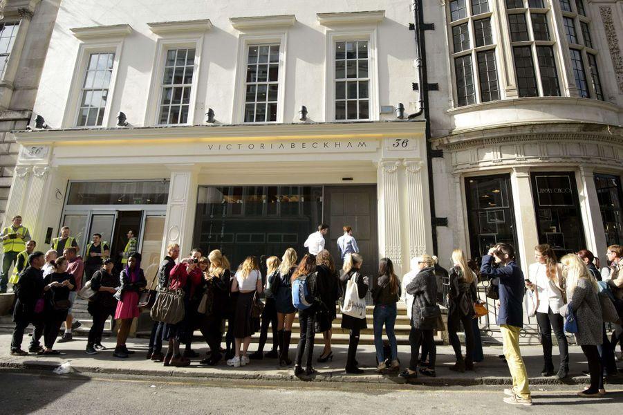 La boutique londonienne de Victoria Beckham a ouvert ce 25 septembre 2014.