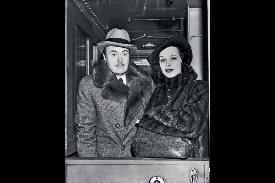 Le deuxième mari : le producteur Gene Markey. Union en 1939. Divorce en 1941.