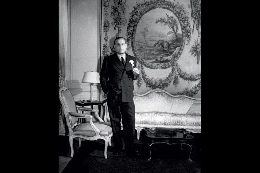 Son premier mari, le « monarque absolu » et marchand d'armes Fritz Mandl. Ici, à Buenos Aires, en 1943.
