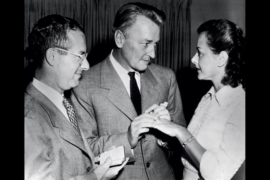 Le quatrième mari : le musicien Teddy Stauffer, épousé en 1951. Leur union dure dix mois.
