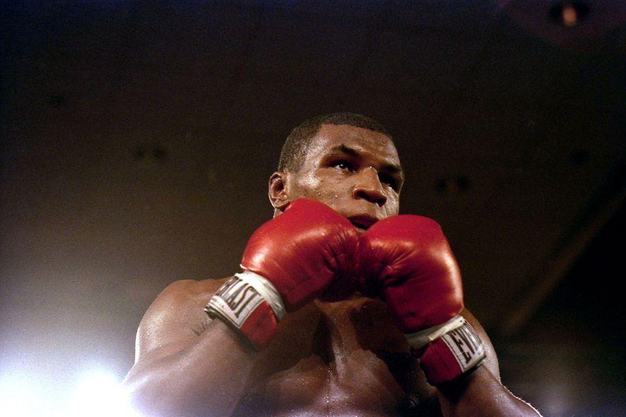 Mike Tyson sur le ring, 1986