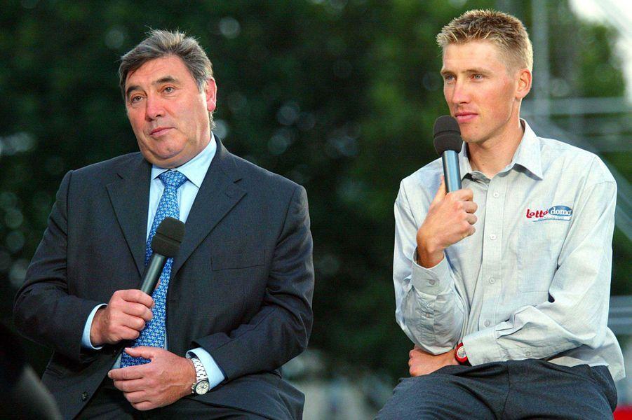 Elu meilleur cycliste du XXe siècle par l'Union cycliste internationale, Eddy Merckx a remporté cinq Tour de France et est entré dans la légende. Son fils, Axel, s'est donc lui aussi tout naturellement tourné vers le cyclisme. S'il n'a pas obtenu le même palmarès que son père, il a cependant remporté le bronze aux JO d'Athènes dans l'épreuve sur route. Il a également terminé à six reprises meilleur belge du Tour de France.
