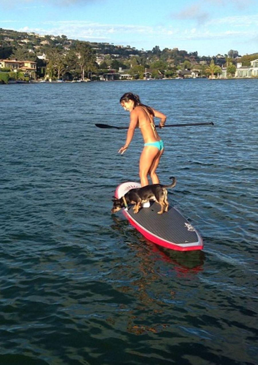 Allison Stokke est une athlète américaine pratiquant le saut à la perche