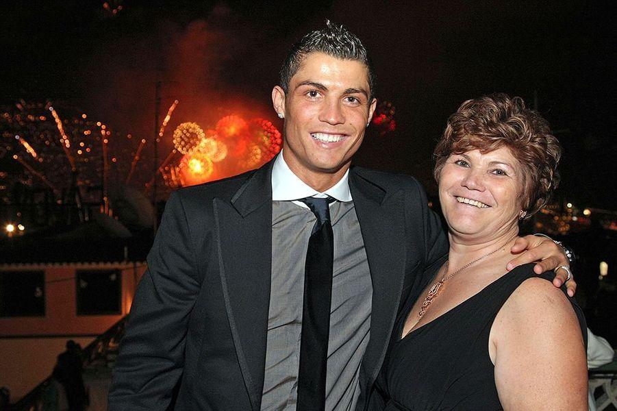 Cristiano Ronaldo et sa mère le 31 décembre 2008