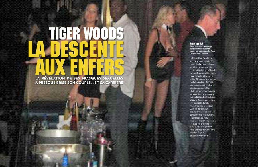 Dans le fond à droite, chemise rouge, le golfeur est en conversation très complice avec une hôtesse du Tao Club, à Las Vegas, mardi 8 décembre.