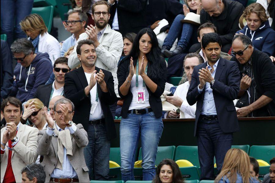 Arnaud Lagardère, son épouse, Jade, et le président du PSG, Nasser Al-Khelaïfi