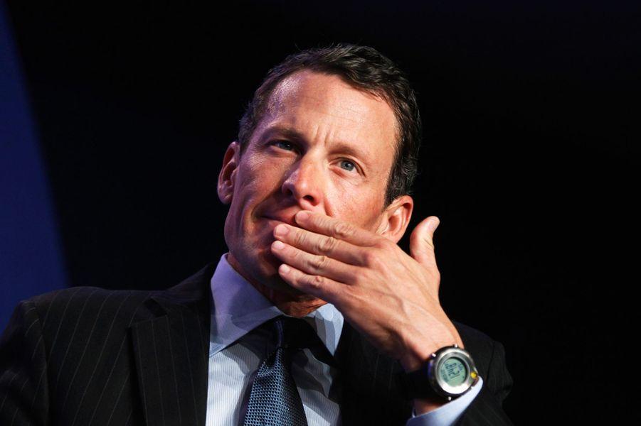 En décembre 2014 à Aspen, Lance Armstrong percute deux véhicules à l'arrêt. Sa femme Anne Hansen se fait alors accuser pour protéger un nom déjà sali par les divers déboires liés au dopage. Mais filmés par des caméras de surveillance, le couple a fini par avouer son délit.
