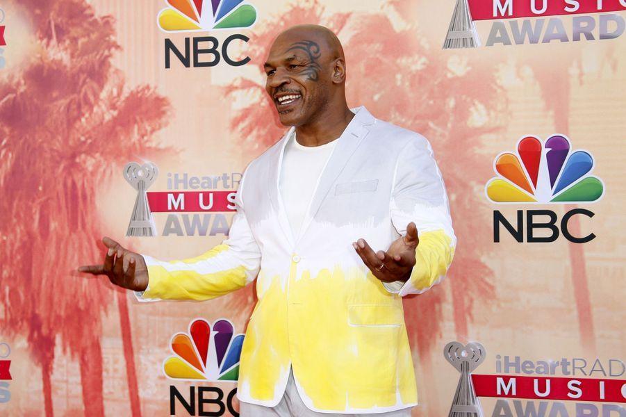 En Arizona en 2007, Mike Tyson s'est fait arrêter pour conduite sous l'emprise de cocaïne. L'ancien boxeur risque alors un nouveau séjour en prison.
