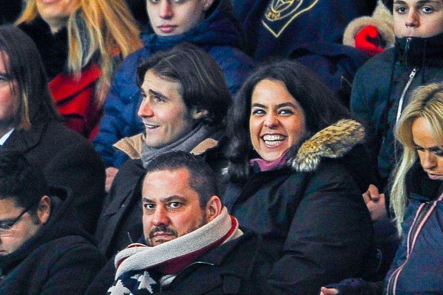 Anouchka tout sourire suite à la victoire du PSG contre Bordeaux