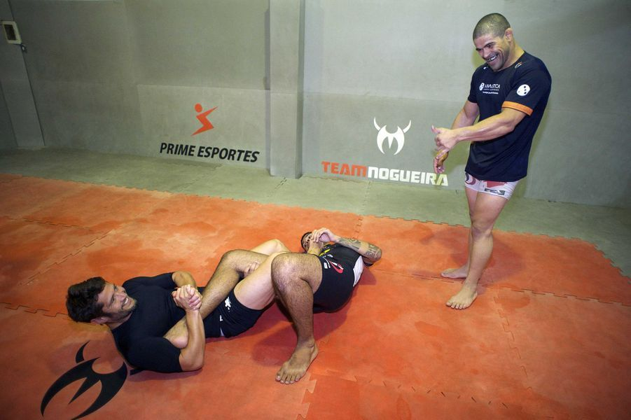 Bixente Lizarazu en plein entraînement de jui-jitsu avec Tonquinho