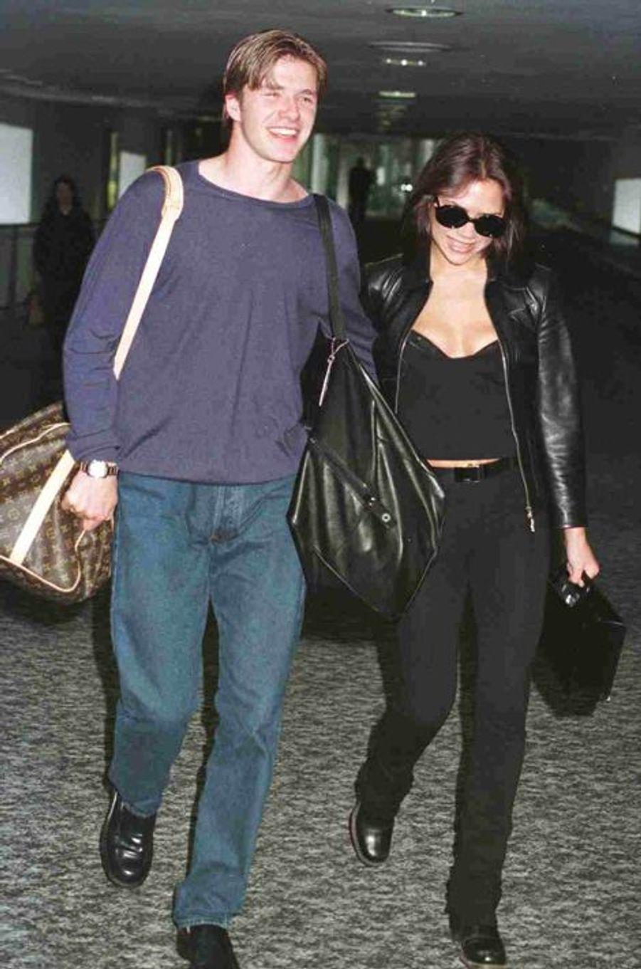 Avec Victoria, en 1997 à Londres. Le couple se fréquente depuis quelques mois