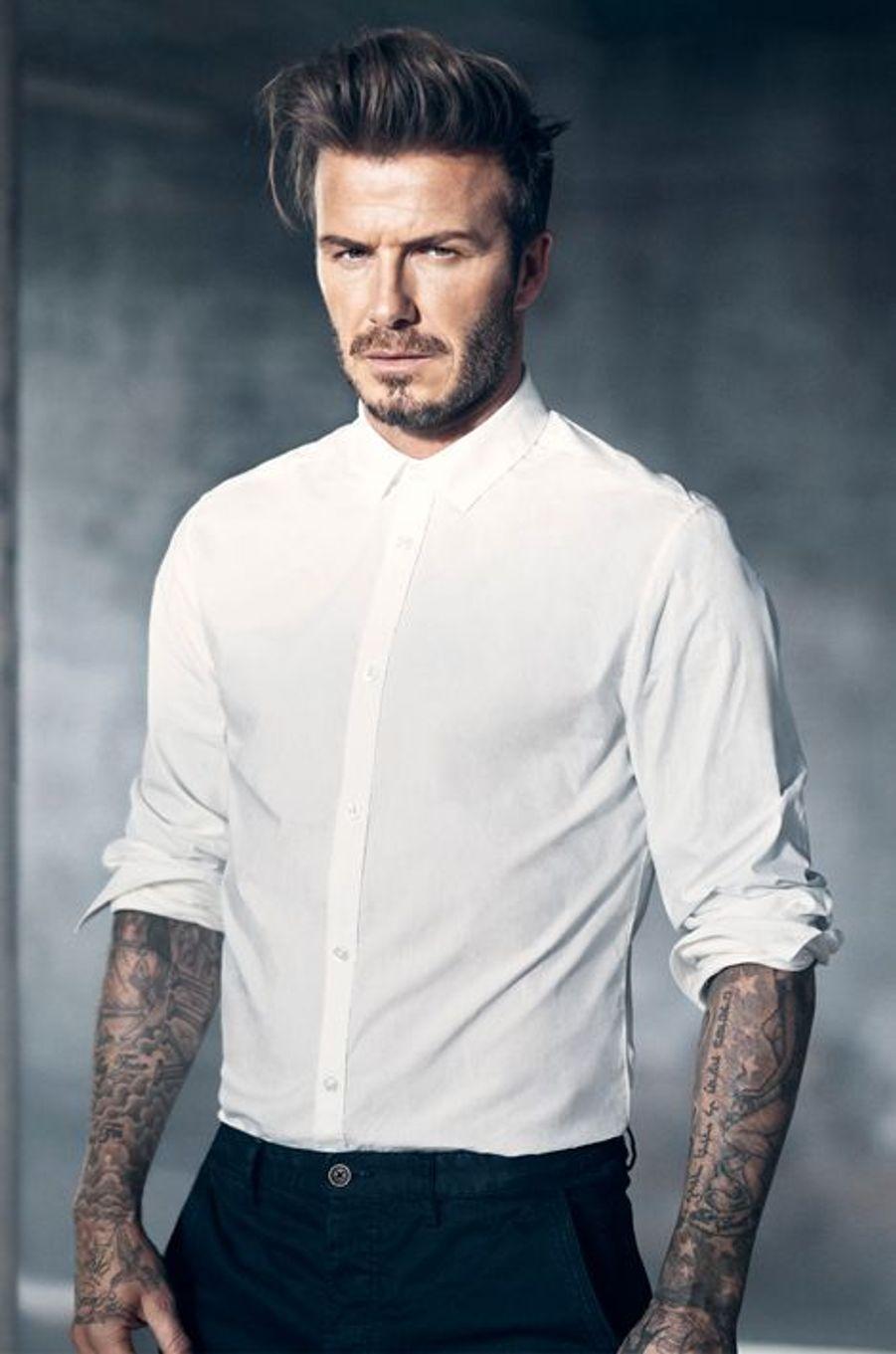 """David Beckham pose pour les lignes """"Bodywear"""" et """"Modern Essentials"""" d'H&M"""