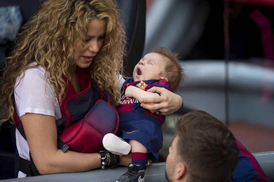 Shakira et Gerard Piqué avec leur fils Sasha