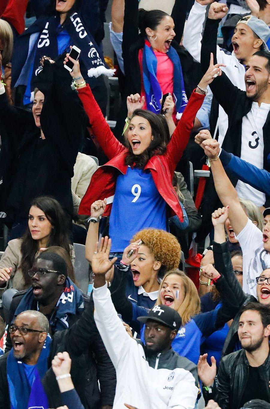 Jennifer Giroud après le but de son mari contre l'Islande, au Stade de France, le 3 juillet 2016.