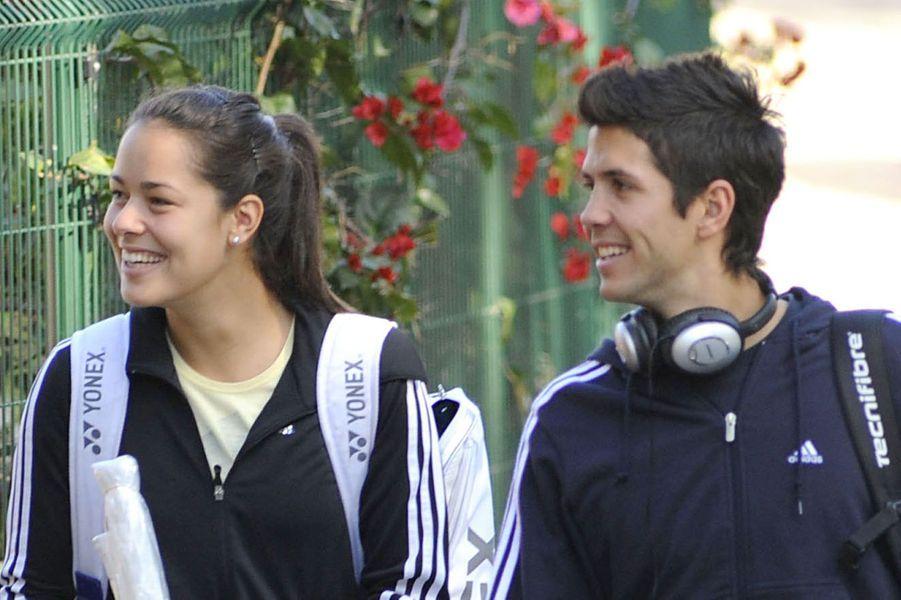 Fernando Verdasco et Ana IvanovicLa belle, très convoitée, a offert son cœur à l'Espagnol Fernando Verdasco – qui a auparavant eu une liaison avec la joueuse argentine Gisela Dulko. Mais leur relation prend fin au bout de quelques semaines en janvier 2009.Ana Ivanovic a épousé en 2016 le footballeur allemandBastian Schweinsteiger.
