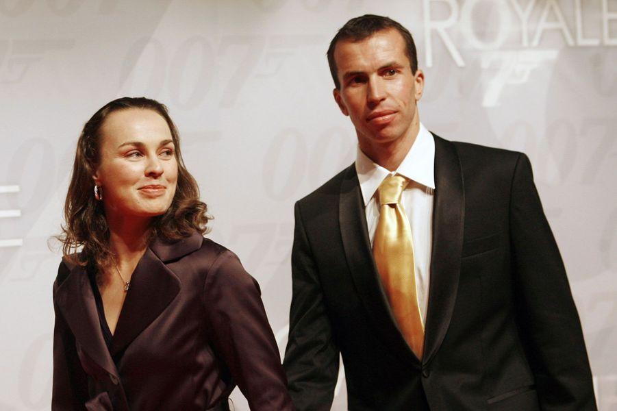 Radek Stepanek et Martina HiginsLe couple a été fiancé de mai 2006 à août 2007 mais a fini par se séparer, «en bons termes». Le Tchèque est aujourd'hui marié à la joueuse Nicole Vaidišová.