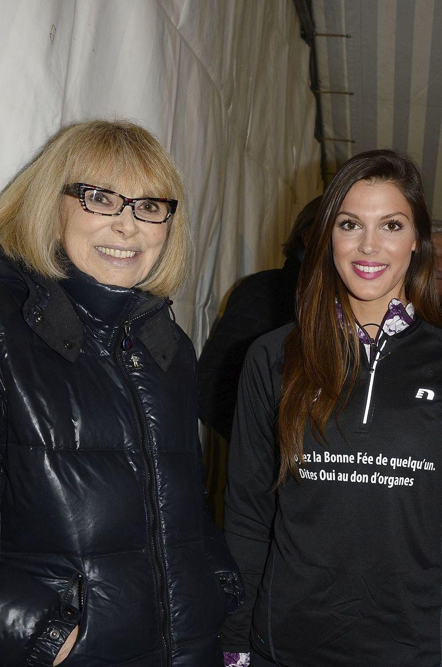 Mireille Darc et Iris Mittenaere à Paris le 30 mars 2016