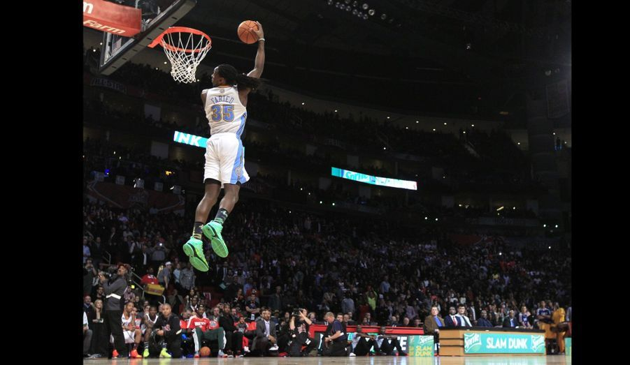 Le dunk de Kenneth Faried