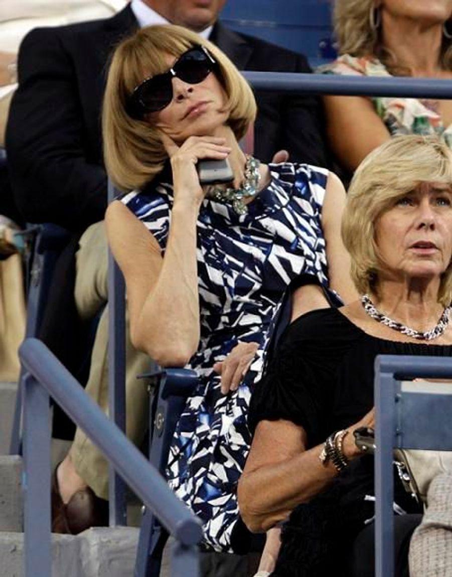 La rédactrice en chef de Vogue US semble adorer le tennis.