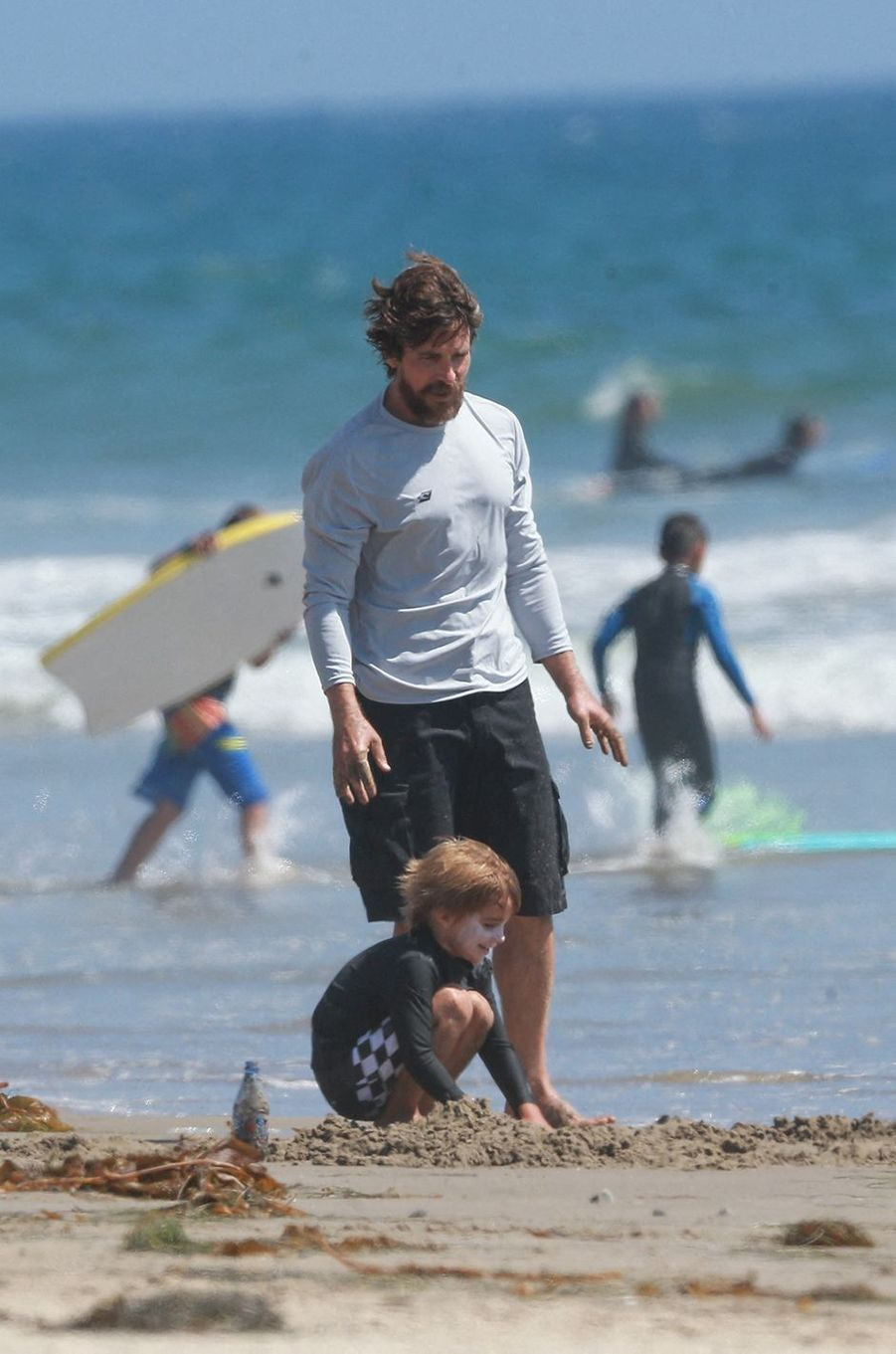 Christian Bale avec son épouse Sandra et leurs enfants à Malibu le 7 août 2020