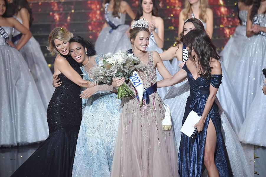 Revivez en photos l'élection d'Amandine Petit, Miss France 2021