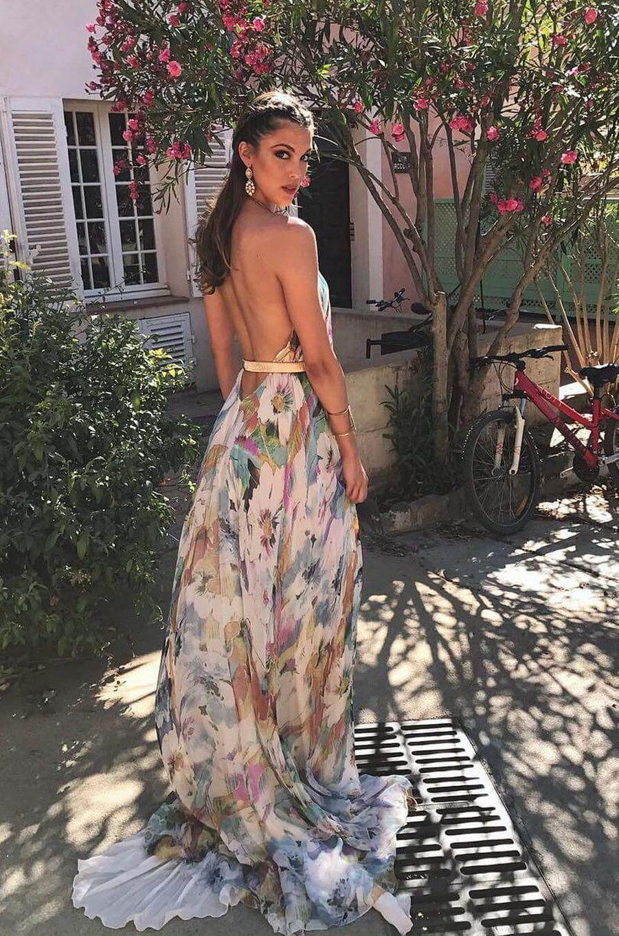 Iris Mittenaere au mariage de Sylvie Tellier, juillet 2017.