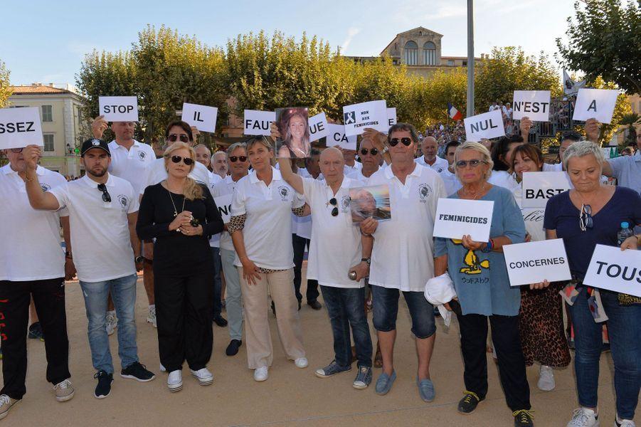 Un hommage a été rendu àJulie Douib, tuée par son ex-mari à l'Ile-Rousse en mars dernier.
