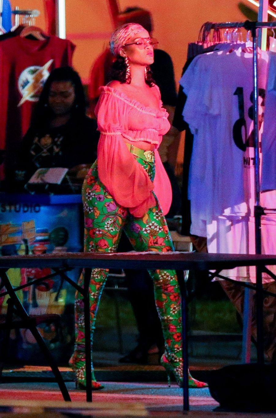 Rihanna en leggings Balenciaga.