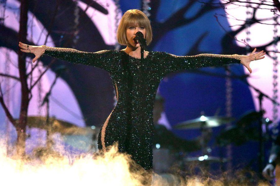 Taylor Swift à la cérémonie des Grammy Awards 2016.