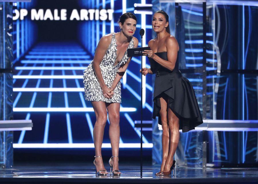 Cobie Smulders et Eva Longoriaaux Billboard Music Awards le 1er mai 2019 à Las Vegas
