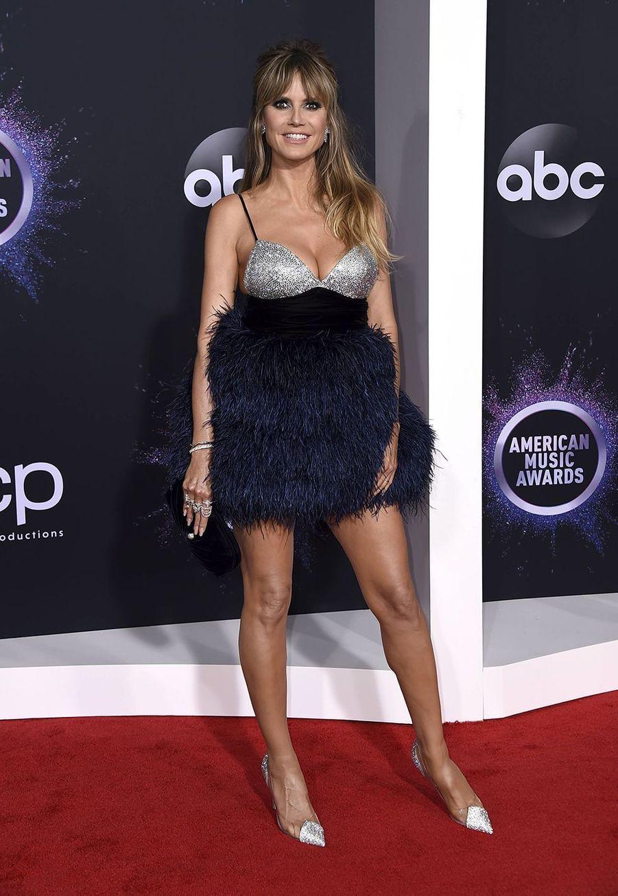 Heidi Klum lors de la cérémonie des American Music Awards dimanche 24 novembre 2019 à Los Angeles.