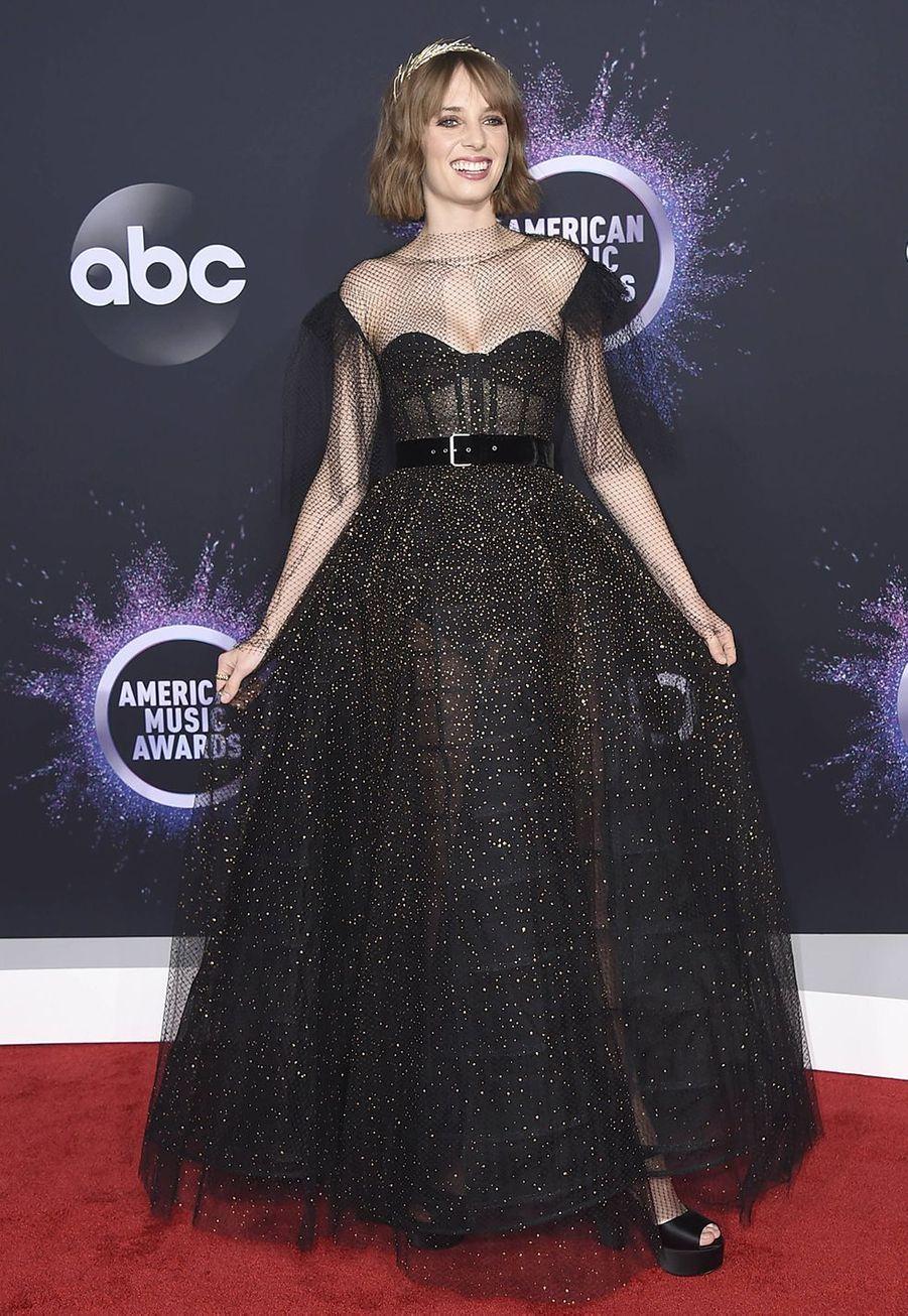 Maya Hawke, la fille d'Uma Thurman, lors de la cérémonie des American Music Awards dimanche 24 novembre 2019 à Los Angeles.