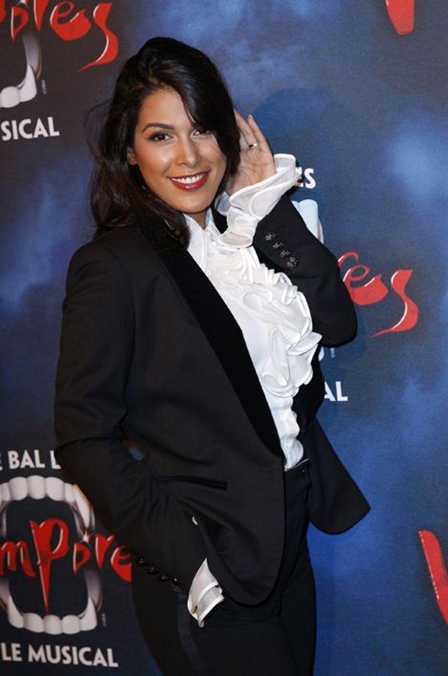 Participante de la saison 5 de «Secret Story» en 2011, Ayem Nour opère une rapide reconversion au sein d'«NRJ 12» dans la série «Hollywood Girls» puis en tant que chroniqueuse de l'émission «Le Mag». Après un départ de la chaîne sur fond de mésentente et rumeurs de disputes fin 2013, la jeune femme de 26 ans officie par la suite sur la chaîne «June». En couple durant plusieurs années avec Vincent Miclet, un riche homme d'affaires, ce serait suite à une déception amoureuse qu'elle aurait tenté de mettre fin à ses jours le 17 février dernier en ingérant un cocktail de médicaments et d'alcool.