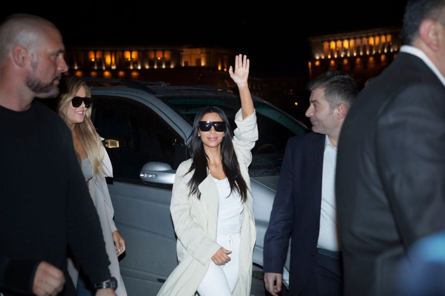 Kim Kardashian fait ses premiers pas en Arménie