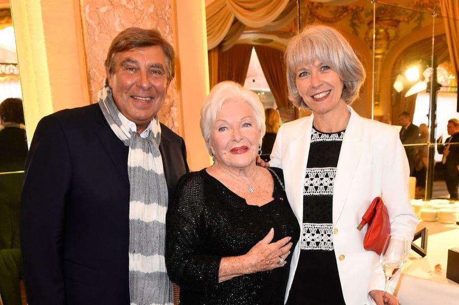 Jean Pierre Foucault, Line Renaud et Frédérique, la soeur de Mimie Mathy