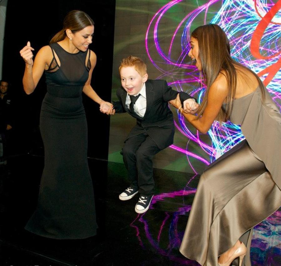 Eva Longoria et la chanteuse Nicole Scherzinger au Global Gift Gala de Londres le 19 novembre 2013