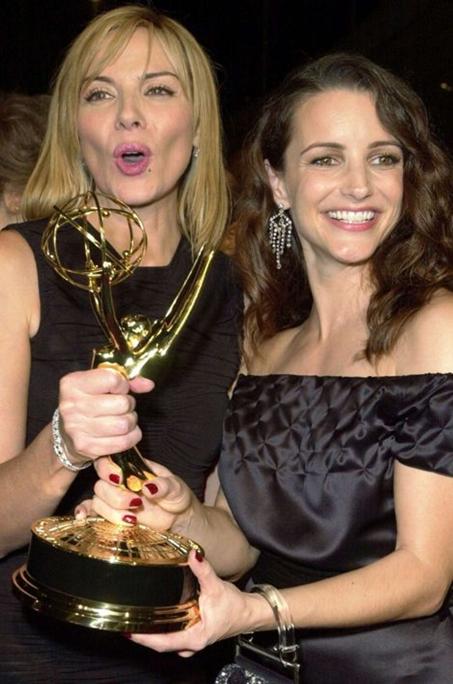 Aux côtés de Kim Cattrall, aux Emmy Awards 2001