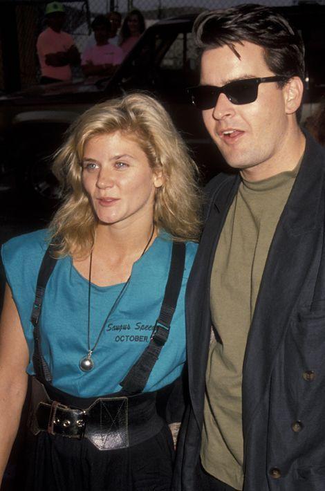 Avec Ginger Lynn, une actrice pornographique. Ici en octobre 1990.