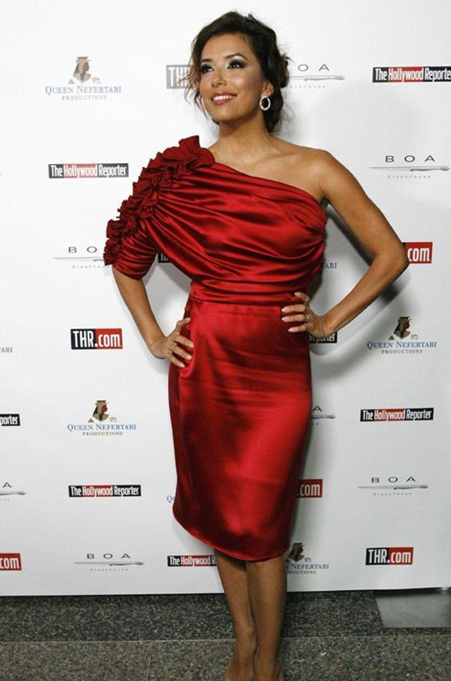 """En robe Badgley Mischka à une soirée organisée par """"The Hollywood Reporter"""" le 16 novembre 2009 à Los Angeles"""