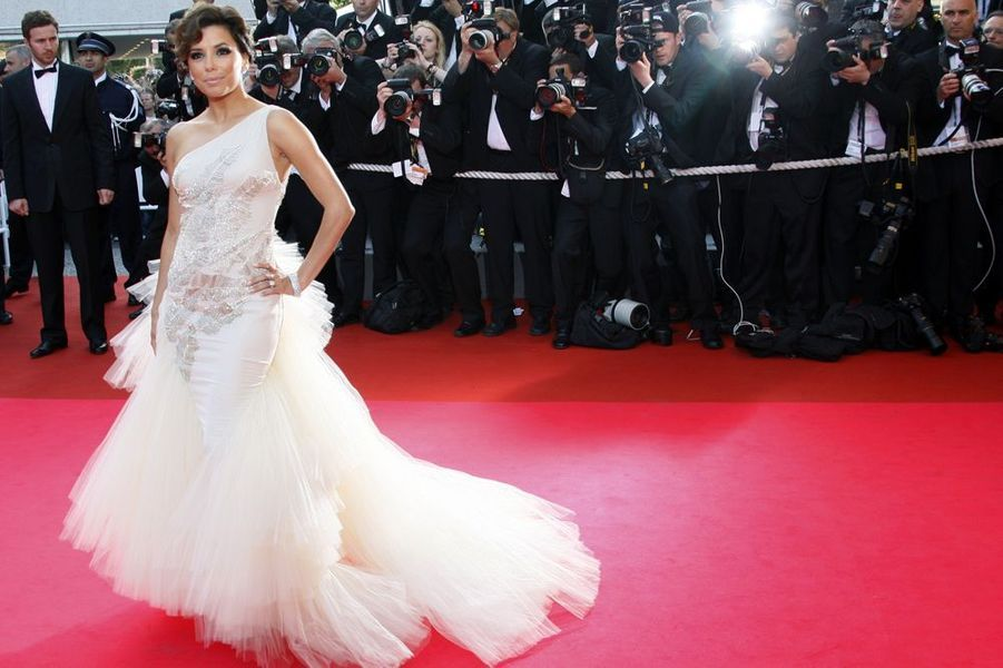 """En robe couture Versace à l'avant-première du film """"Kung Fu Panda"""", le 15 mai 2008 à Cannes"""