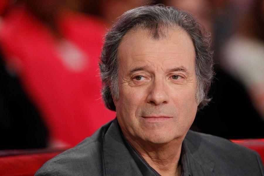 """Daniel Russo lors de l'enregistrement de """"Vivement Dimanche"""" Stéphane Bern, le 18 février 2015"""